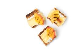 点心,开胃菜用烤咸味干乳酪 免版税图库摄影
