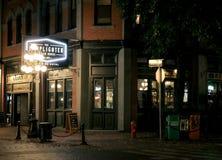 点燃街灯的灯夫酒家,温哥华, BC 免版税库存照片