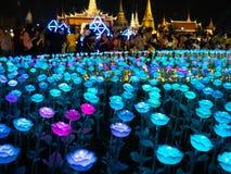 点燃设计萨娜姆Luang在曼谷泰国,五颜六色的照明 库存照片