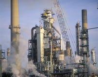 炼油厂在萨尼亚市,加拿大 免版税库存照片