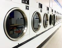 烘干机洗衣店 库存照片