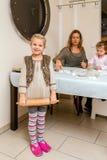 烘烤与家庭的曲奇饼 库存图片