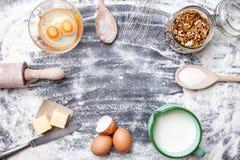 烘烤和烹调成份概念、品种和器物 库存照片