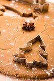 烘烤圣诞节姜饼 免版税库存图片