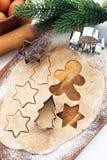 烘烤圣诞节曲奇饼和姜饼 图库摄影