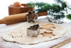 烘烤圣诞节曲奇饼和姜饼 免版税图库摄影