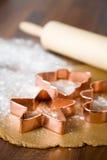 烘烤圣诞节曲奇饼 免版税库存图片