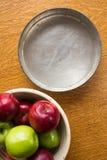 烘烤苹果和饼锡 免版税图库摄影