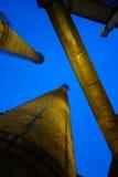 烟囱在工厂 图库摄影