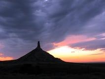 烟囱岩石在黄昏的内布拉斯加   库存照片