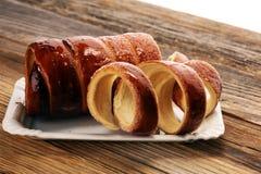 烟囱蛋糕 街道食物酥皮点心用圣诞节的糖 库存照片