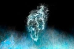 烟型鬼魂,黑背景 免版税图库摄影