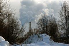 烟斗在一个工业区 库存照片