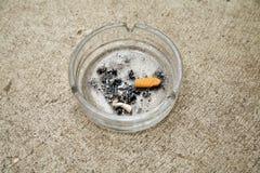 烟灰缸混凝土 免版税库存照片