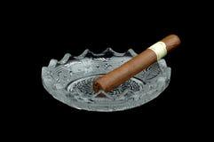 烟灰缸雪茄n 免版税库存图片