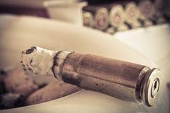 烟灰缸项目符号雪茄 图库摄影