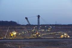 烟煤露天矿Hambach (德国) -转台式挖掘机 免版税库存照片