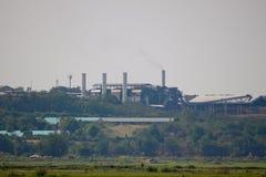 烟窗糖工厂 免版税图库摄影