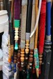 水烟筒管子卖了在街道在伊斯坦布尔,土耳其 免版税图库摄影