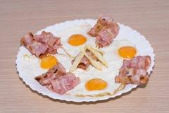 烟肉和鸡蛋 免版税库存照片
