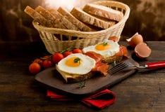 烟肉早餐怂恿英语 免版税库存照片