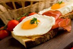 烟肉早餐怂恿英语 库存照片