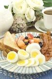 烟肉早餐鸡蛋 免版税库存图片