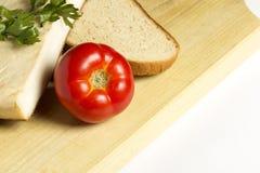 烟肉用蕃茄和面包 免版税库存照片