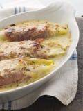 烟肉苦苣生茯盘焦干酪 库存图片