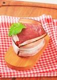 烟肉被包裹的内圆角猪肉 免版税图库摄影