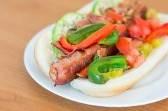 烟肉被包裹的热狗 免版税库存图片
