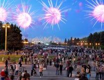 烟花在胜利天,莫斯科,俄罗斯联邦 库存照片