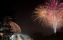烟花照亮Sefton公园温室,利物浦,英国 库存图片
