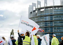 烟草零售商buralistes人抗议的欧洲议会Fr 库存照片