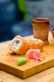 烤三文鱼寿司 免版税库存图片