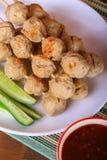 烤丸子用辣罗望子树调味汁 免版税库存图片