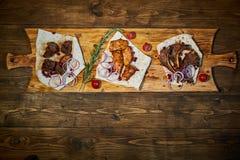烤在一个热的格栅JPG的牛肉Kebabs 免版税库存图片