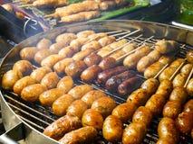 烤在烟火炉的泰国香肠 库存照片