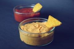 烤干酪辣味玉米片的垂度 库存照片