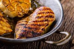 烤烤的鸡胸脯并且烤有lett的鸡胸脯 免版税库存图片