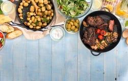 烤牛排,菜,土豆,沙拉,快餐,自创lem 免版税库存图片