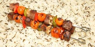 烤牛肉和菜Kebabs 图库摄影