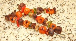 烤牛肉和菜Kebabs 库存图片