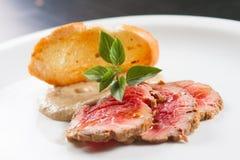 烤牛肉开胃菜 库存图片