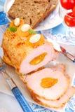 烤猪肉腰部用杏子和杏仁 免版税库存照片