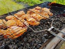 烤的开胃鸡在格栅 免版税库存照片