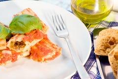 烤碎肉卷子意大利人意大利面食 库存照片
