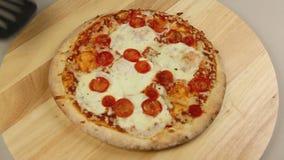 从烤箱的薄饼 影视素材
