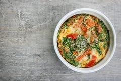 烤箱被烘烤的煎蛋卷 免版税图库摄影