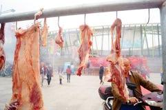 烤羊羔串起摊位 免版税库存照片